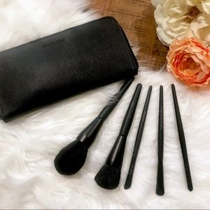 Mary Kay Essentials Makeup Brush Set